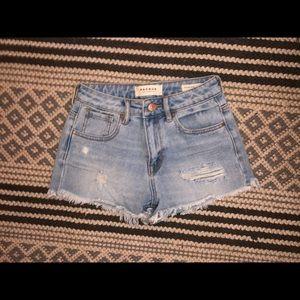 Pacsun high waisted jean shorts Size: 23